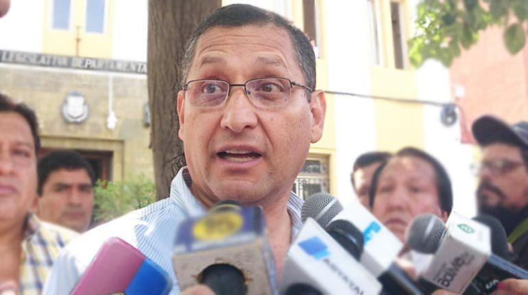 The public prosecutor's office charges the governor of Tarija with