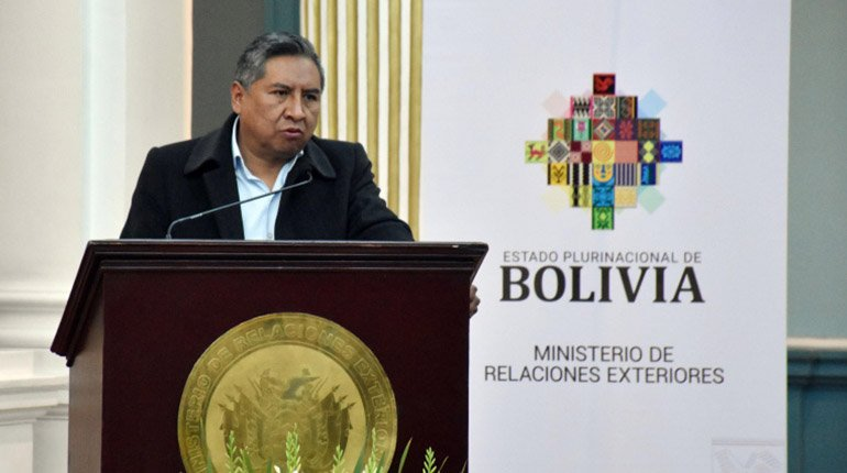 Government prepares lawsuit against Almagro before the OAS.  in front