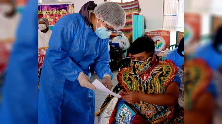 They analyze the percentage of artists vaccinated for the Oruro Carnival