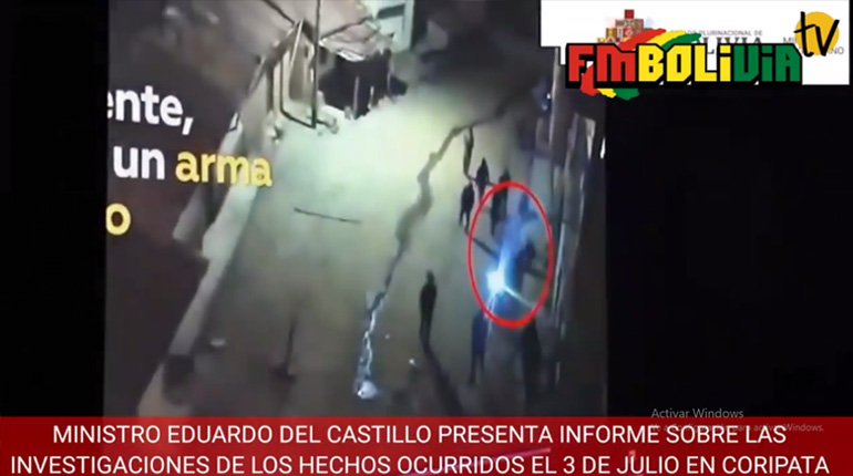 According to a journalist, the government minister used earlier images in a report of the death of a police officer