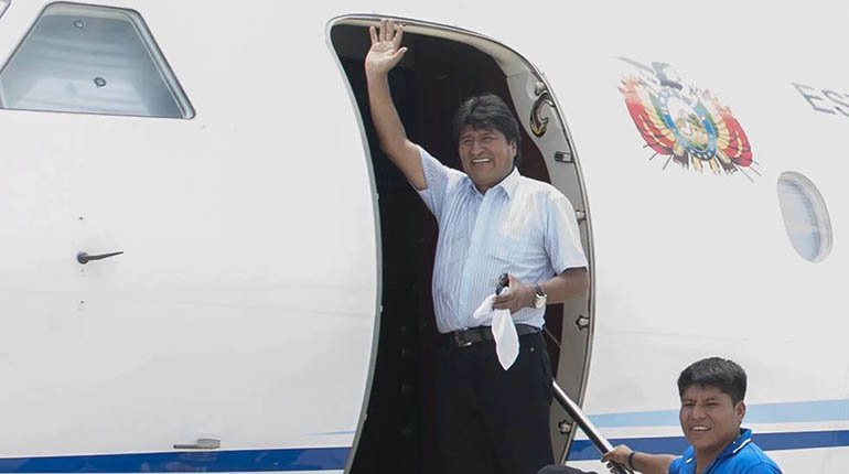 Analysts: MAS tries to wash Morales' image