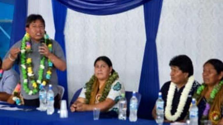 Evo and Choquehuanca give clues to the peasant women's congress
