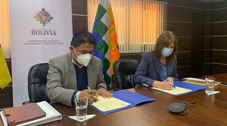 Ministry of Justice and UN in Bolivia sign agreements in support of judicial reform in the country