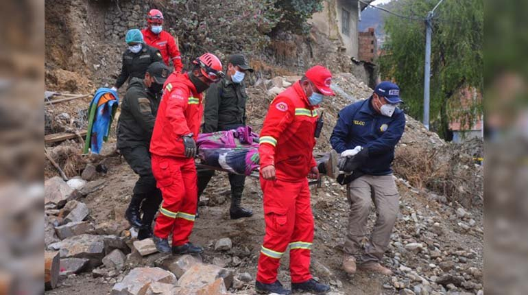 The collapse of a slope in La Paz claims one dead and at least three injured