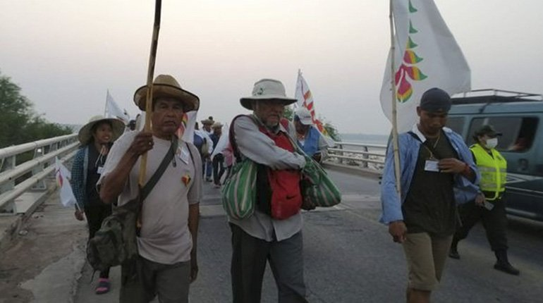 The leader of the indigenous march, Marcial Fabricano, is hospitalized in an emergency